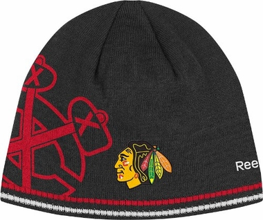 Chicago Blackhawks Oversized Logo Reversible Cuffless Knit Player Hat