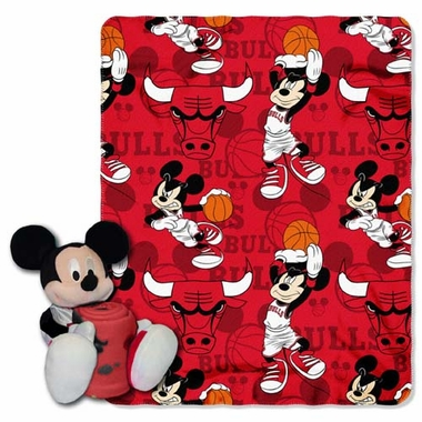 Chicago Bulls Mickey Hugger with Small Fleece Throw