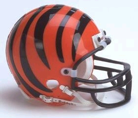 Cincinnati Bengals Replica Mini Helmet w/ Z2B Face Mask