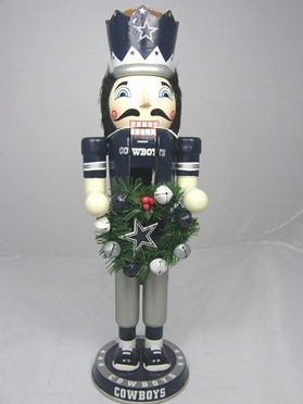 Dallas Cowboys 14 Inch Wreath Nutcracker Figurine