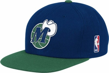 Dallas Mavericks Throwback Snapback Hat