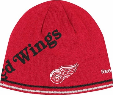 Detroit Red Wings Oversized Logo Reversible Cuffless Knit Player Hat