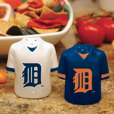 Detroit Tigers Ceramic Jersey Salt and Pepper Shakers