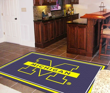 Michigan 5 Foot x 8 Foot Rug