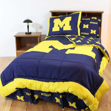 Michigan Bed in a Bag Full - With Team Colored Sheets