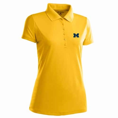 Michigan Womens Pique Xtra Lite Polo Shirt (Color: Gold)