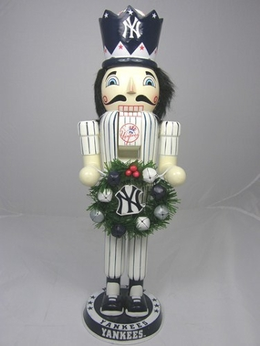 New York Yankees 14 Inch Wreath Nutcracker Figurine