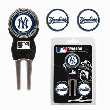 New York Yankees Repair Tool and Ball Marker Gift Set