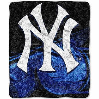 New York Yankees Super-Soft Sherpa Blanket
