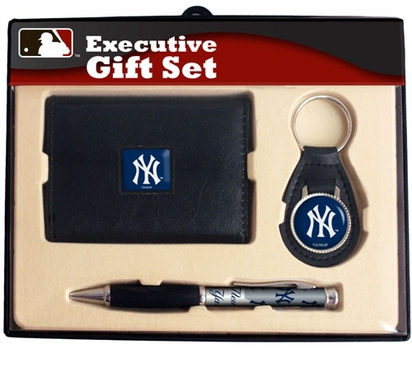 New York Yankees Trifold Wallet Key Fob and Pen Gift Set