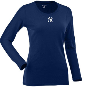 New York Yankees Womens Relax Long Sleeve Tee (Team Color: Navy) - Large