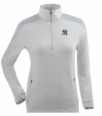 New York Yankees Womens Succeed 1/4 Zip Performance Pullover (Color: White) - Medium