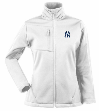 New York Yankees Womens Traverse Jacket (Color: White)