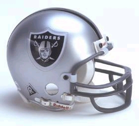 Oakland Raiders Replica Mini Helmet w/ Z2B Face Mask