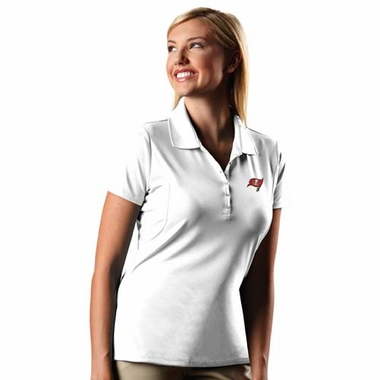 Tampa Bay Buccaneers Womens Pique Xtra Lite Polo Shirt (Color: White)