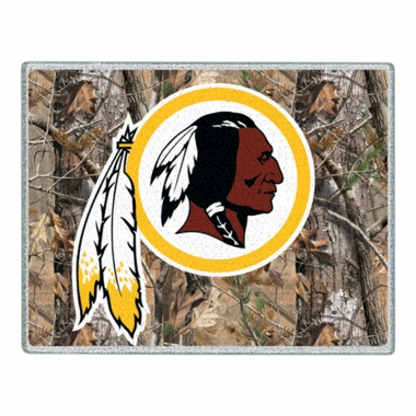 Washington Redskins 11 x 15 Glass Cutting Board (Realtree)