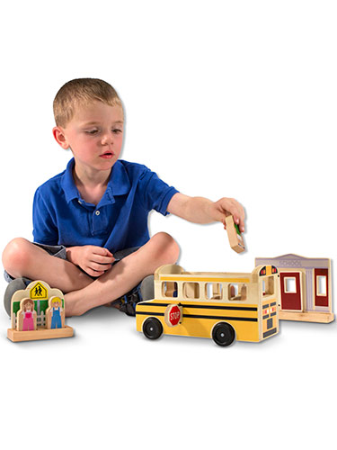 Whittle World Wooden School Bus Play Set