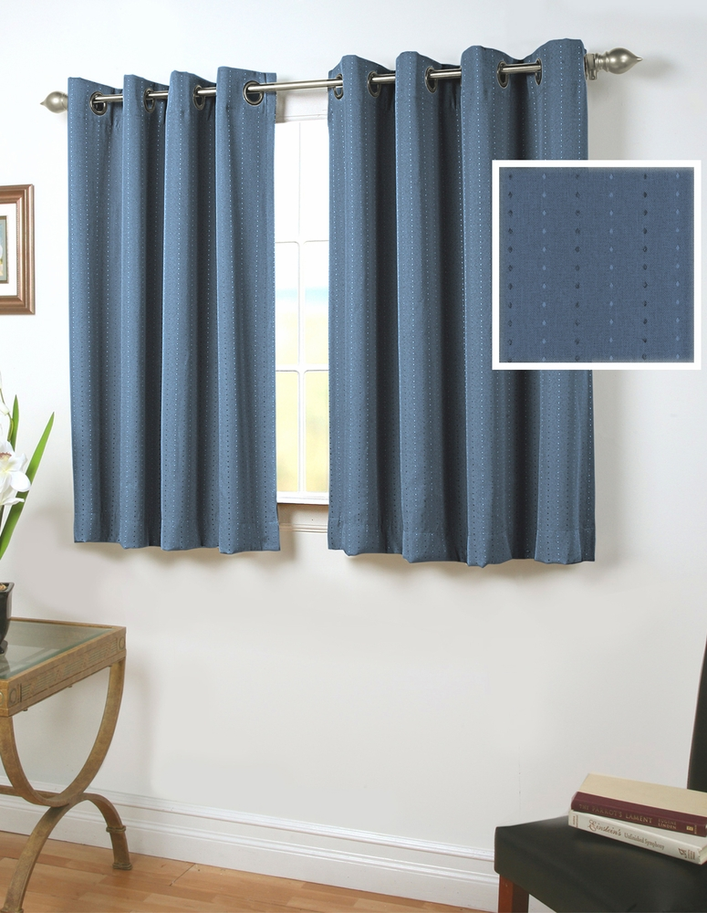 Grand Pointe Insulated Grommet Curtain With Wand