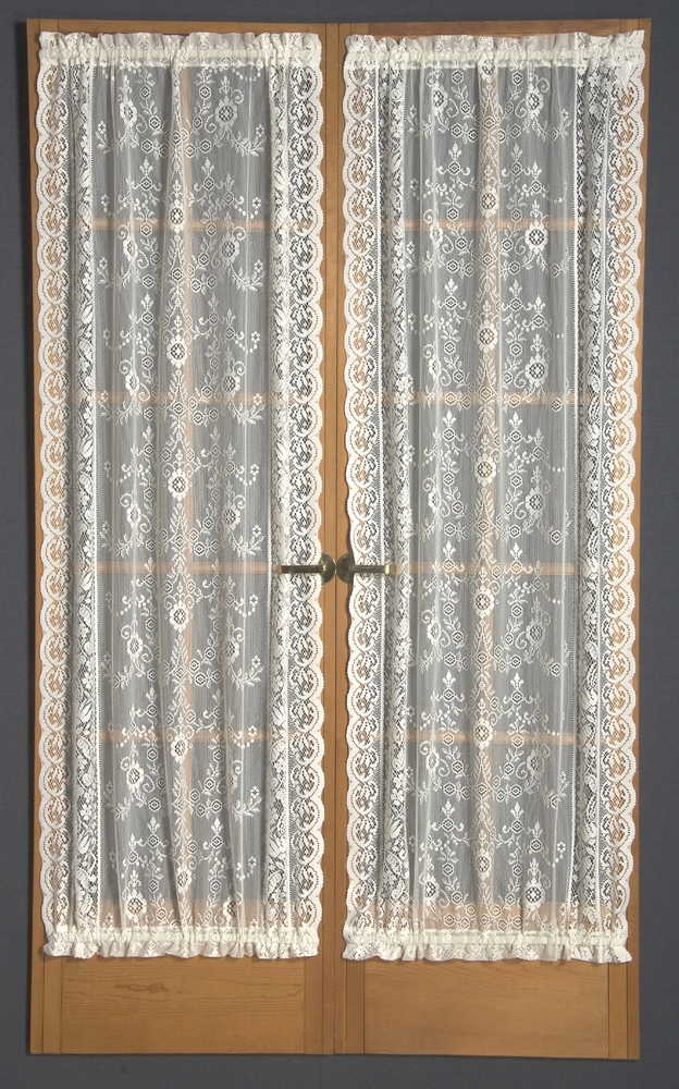 Windsor Lace Door Panel
