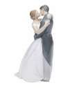 "Nao by Lladro Porcelain ""A kiss forever"" Figurine"