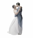 "Nao by Lladro Porcelain ""A kiss forever (Treasured Memories)"" Figurine"