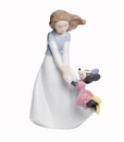 "Nao by Lladro Porcelain ""Friends with Minnie"" Figurine"
