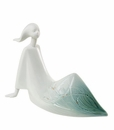 """Nao by Lladro Porcelain """"Reverie"""" Figurine"""