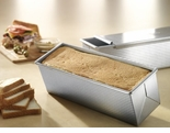 "USA Pan - Pullman Loaf Pan & Cover  (13"" x 4"" x 4"")"