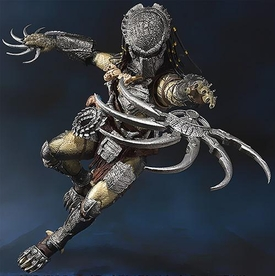 Alien VS. Predator Requiem Bandai S.H. Monsterarts Action Figure Wolf Predator [Heavy Armed Ver.] Pre-Order ships September