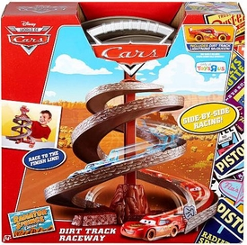 Disney / Pixar CARS Radiator Springs Classic Exclusive Playset Dirt Track Raceway [Includes Dirt Track Lightning McQueen] New!