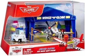 Disney Planes Pit Row Gift Pack Judge Davis