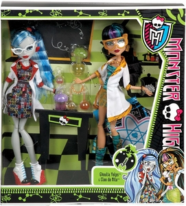 Monster High Classroom Doll 2-Pack Mad Science Lab Partners [Cleo de Nile & Ghoulia Yelps]