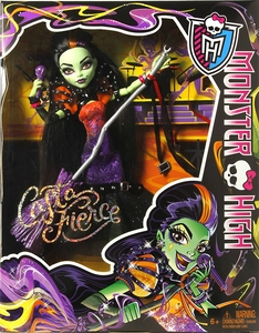 Monster High Doll Casta Fierce New!