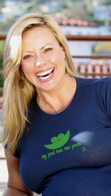 """SOLD OUT 2 Chix """"My Pod Has Two Peas"""" Voluptuous Maternity Tee"""