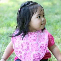 Bebe au Lait Reversible Double Bib-Shrine Pink