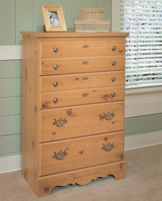4-Drawer Chest in Pine - Mountain Pine - New Visions by Lane - 497-319