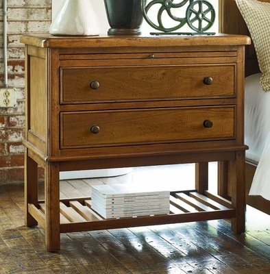American Drew New River Bachelor Chest in Amber - 204-422