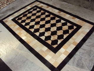 Eastern Weavers Kyle Cowhide Black-Beige Rug