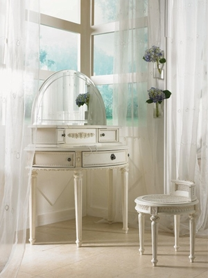 Lea Emma's Treasures Bedroom White Vanity Set - Lea American Drew - 606-266-670