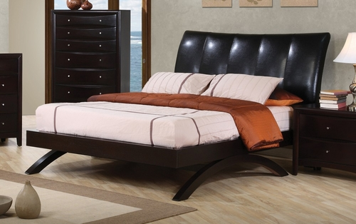 Queen Size Bed - Phoenix Queen Size Platform Bed in Black Vinyl - Coaster - 300356Q