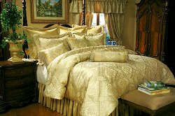 Queen Size Comforter Set - 11-Piece Super Pack in Legacy Pattern - 80EQ712LY