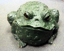"Damaged Jumbo Toad Statue (11""H)"