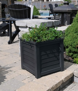 "Lakeland Patio Planter 20""H"