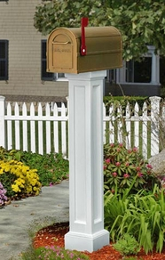 Mayne Bradford Mailbox Post (White)