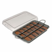 Chicago Metallic™ Slice Solutions� Brownie Pan 9 x 13""