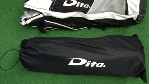 TRAVEL BAG COVER<p>Fits over any large player bag to protect the bag and straps when you fly
