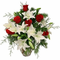 The lily and rosesBouquet