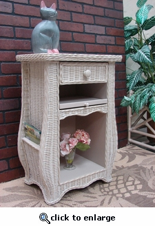 Town & Country End Table (UPS $45) (20% Off!)