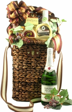 A Tuscan Picnic With Wine Tote