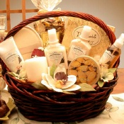 Vanilla Luxuries Spa Gift Basket